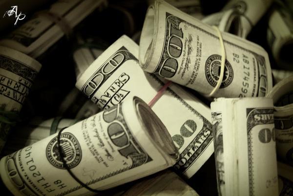 Mit 5 – walizka pełna pieniędzy